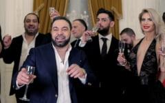 Treisprezece membri ai clanului Duduianu au fost trimisi in judecata dupa ce i-au talharit si i-au pus sa cante gratis pe Florin Salam si Nicolae Guta