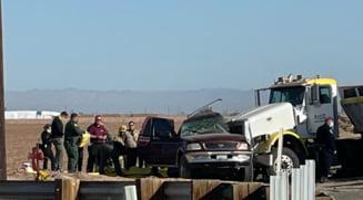 Treisprezece morti si mai multi raniti, in urma unui accident rutier din California. In masina cu 8 locuri se aflau 25 de persoane