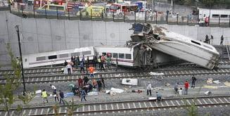 Tren deraiat in Spania: Cel putin 37 de morti si 50 de raniti