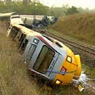 Tren deraiat la Milano: trei vagoane au sarit de pe sine