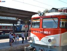 Tren deraiat langa Pitesti, din cauza inundatiilor