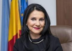 Tribunalul Bucuresti a admis cererea avocatilor Sorinei Pintea de a sesiza CCR. Cererea de suspendare a procesului a fost respinsa