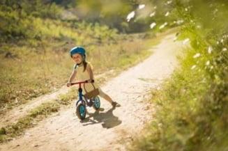 Tricicleta sau bicicleta: ce sa alegi pentru copilul tau?