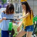 Trotinetele electrice nu mai pot circula pe trotuare. Toate regulile adoptate prin hotărâre a Guvernului