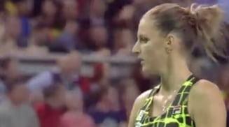 Trucul ciudat la care Pliskova a apelat in meciul cu Simona Halep