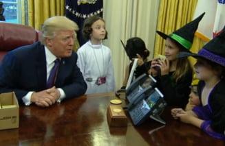 Trump, in razboi cu presa si de Halloween: Nu inteleg cum de au iesit niste copii asa frumosi din jurnalisti (Video)