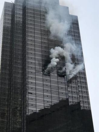 Trump Tower, blocul in care un om a ars de viu in Sambata Mare, nu avea instalatie de stingerea incendiilor, pentru ca lui Trump i s-a parut prea scumpa