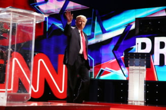 Trump a postat un video in care tranteste la pamant si loveste sigla CNN (Video)