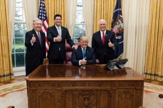 Trump a promulgat cea mai mare reforma fiscala din ultimii 30 de ani si a plecat in vacanta: Cifrele vor vorbi