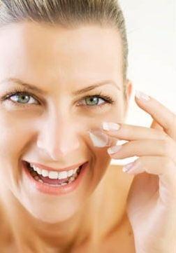 Tu stii sa aplici corect crema pentru ochi?