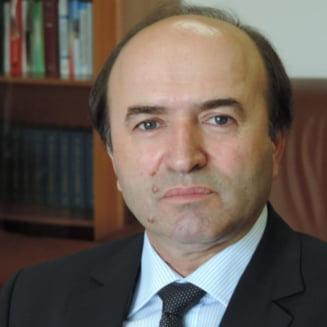 Tudorel Toader: Trimit doar la CSM propunerile de modificare a Legilor Justitiei. Procurorii nu fac legi