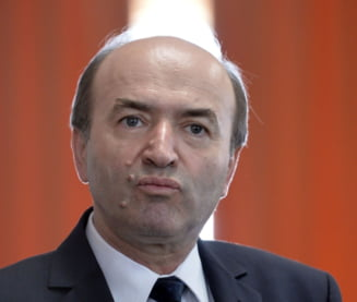 Tudorel Toader spune ca e inca ministrul Justitiei. Cum raspunde reprosurilor din raportul de evaluare