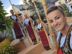 """Tulnicaresele """"Moatele"""" din Apuseni - itinerariu muzical la Carnavalul de la Venetia"""