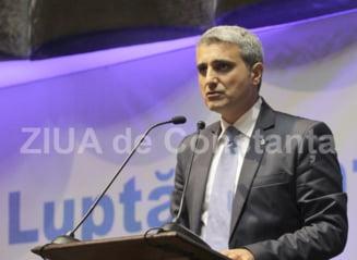 """Turcescu (PMP) - """"Precampania electorala, un concurs de impanzit cu panouri orasele si satele, dar nimic... memorabil!"""""""