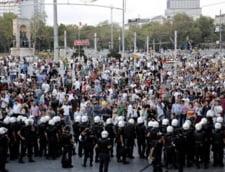 Turcia: Guvernul ameninta studentii protestatari ca raman fara burse
