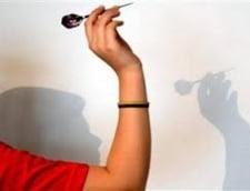 Turcia: Risca inchisoarea dupa ce au jucat darts cu un poster infatisandu-l pe premier