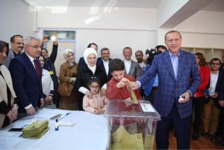 Turcia intra intr-o noua era: Erdogan primeste super-puteri dupa un referendum cu scor extrem de strans si arestari la vot - UPDATE