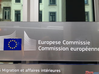 Turcia santajeaza UE invocand refugiatii. Cum raspunde Comisia Europeana