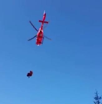 Turista salvata cu elicopterul din Fagaras. Raed Arafat: Ar fi durat cateva ore pe cale terestra (Video)