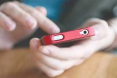 Turisti lasati fara telefoane mobile