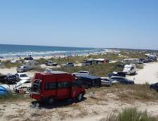 Turisti pe plajele sarbatice
