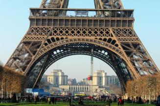 Turnul Eiffel va fi aparat de sticla antiglont