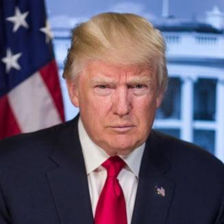 Twitter a eliminat un mesaj de pe contul lui Trump si nu exclude suspendarea profilului