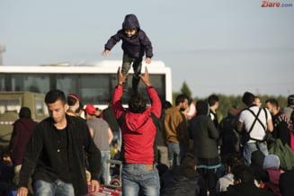 UE va dubla banii dati de urgenta pentru refugiatii blocati in Grecia
