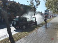ULTIMA ORA! GALERIE FOTO! Incendiu in Focsani, la o masina aflata langa Stadionul Tineretului
