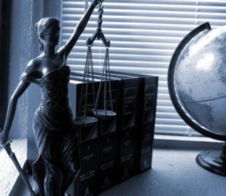 UNJR cere ca racolarea magistratilor de catre servicii sa fie pedepsita cu inchisoare pana la 10 ani