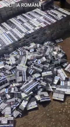 UPDATE / Sute de mii de tigarete si peste doua tone de tutun de contrabanda au fost confiscate de politisti. Perchezitii la 18 adrese din Bucuresti si Prahova