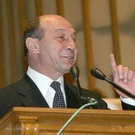 UPDATE: Basescu a castigat la CC - Tariceanu, obligat sa renunte la Norica