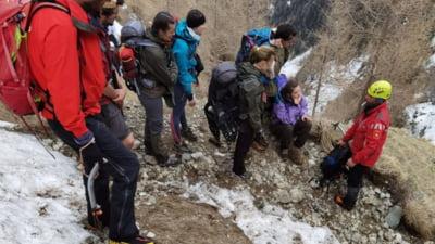 UPDATE: Operatiunea de salvare a turistilor francezi blocati pe Caraiman s-a incheiat cu succes VIDEO