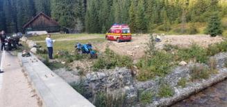 UPDATE Accident grav pe Transalpina. Un motociclist bulgar a murit dupa ce s-a lovit de un cap de pod