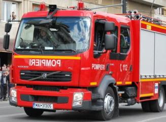 UPDATE Bloc evacuat la Timisoara dupa o deratizare la parter. Pompierii au gasit substante periculoase. 70 de locatari nu vor dormi acasa
