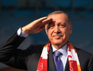 """UPDATE Erdogan il ataca dur pe Emmanuel Macron: """"Are nevoie de tratament pentru sanatate mintala"""". Franta isi recheama ambasadorul din Turcia"""