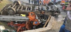 UPDATE FOTO Accident cumplit la iesirea din Calugareni catre Bucuresti: doua persoane au murit si sase au fost ranite