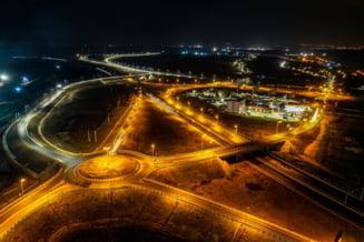 UPDATE FOTO Circulatia pe lotul 1 al autostrazii Sebes-Turda s-a deschis partial, cu restrictii de viteza, la 6 ani de la inceperea lucrarilor. Constructorul va continua sa lucreze la nodul rutier Alba Iulia