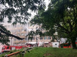 """UPDATE Incendiu la Spitalul de copii """"Sfanta Maria"""" din Iasi. Focul a fost stins. Nu sunt victime VIDEO"""
