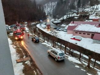UPDATE Incendiu puternic la un spital de psihiatrie din Maramures, lichidat. Cauza: o tigara aruncata in aerisirea toaletei