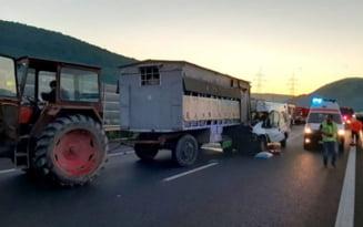 UPDATE O tanara de 27 de ani a murit, iar sotul sau si cei trei copii sunt in stare grava in urma unui accident de pe autrostrada A1