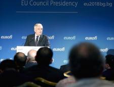 """UPDATE Procesul in care CNSAS a cerut """"constatarea calitatii de colaborator al Securitatii"""" pentru Mugur Isarescu incepe vineri"""