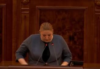 UPDATE Senatorii au respins in sedinta secreta contestatia Dianei Sosoaca la sanctiunea care i-a fost aplicata in parlament