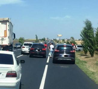 UPDATE-ULTIMA ORA: Carambol pe soseaua europeana | Trei autovehicule implicate in accident