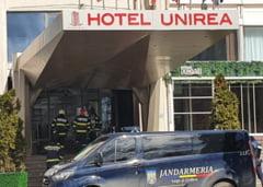 UPDATE VIDEO Alerta cu bomba la un hotel din centrul Iasiului. Sesizarea s-a dovedit falsa, iar Politia il cauta pe apelant