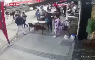 UPDATE VIDEO Primele momente ale cutremurului care a lovit vestul Turciei si mai multe insule grecesti. Oamenii incep sa fuga speriati