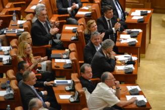 USL mai primeste doi parlamentari - unul de la PDL, altul independent