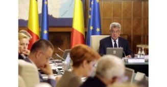 USR: Guvernul minte romanii cu o rectificare pozitiva si sacrifica iar investitiile