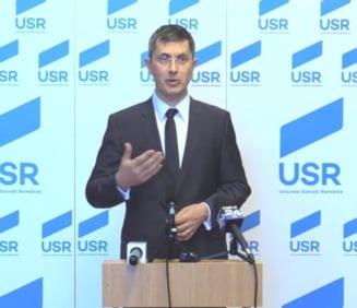 USR cere demisia ministrului de Externe, Teodor Melescanu: Indeparteaza tara de UE. Romania nu e Polonia