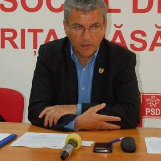 USR il ataca pe Denes, propus ministru al Apelor: Lup pus paznic la oi